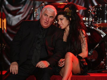 Amy Winehouse y su padre Mitch Winehouse