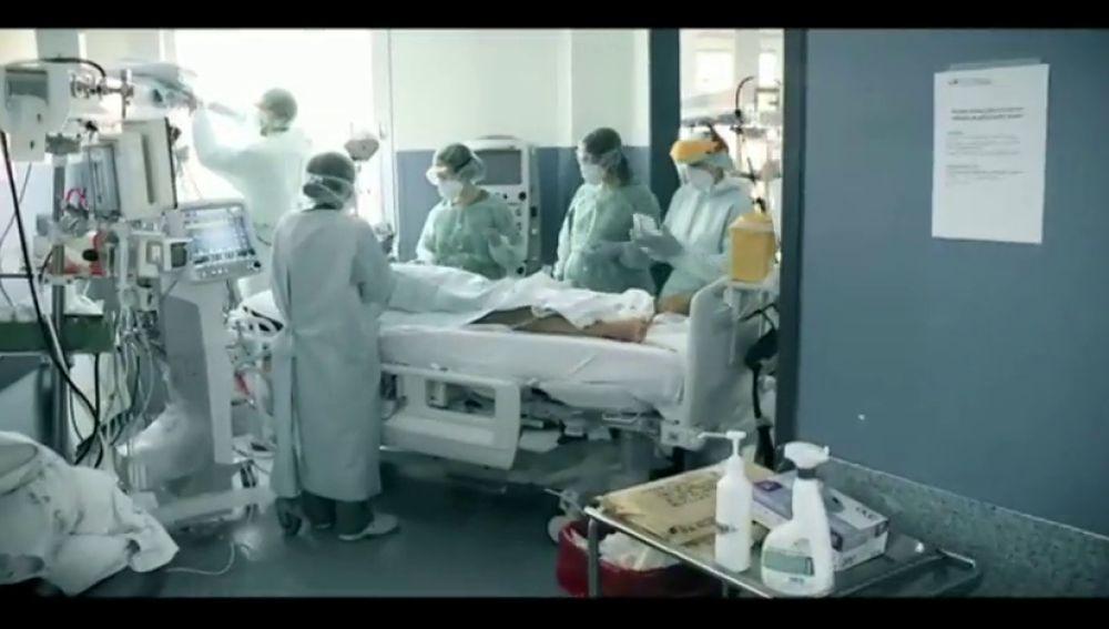 El emotivo vídeo homenaje a los sanitarios del 12 de octubre que han combatido el coronavirus
