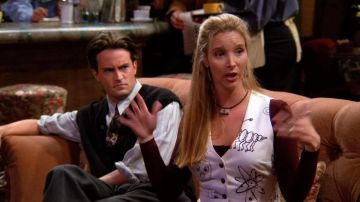 Chandler y Phoebe en 'Friends'