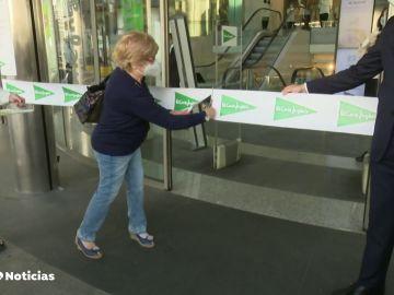 Una clienta inaugura un Corte Inglés de Madrid
