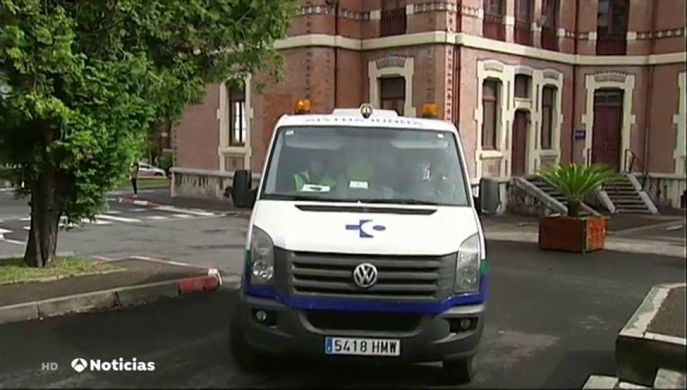 Una ambulancia en el Hospital de Basurto, donde ha habido un brote de coronavirus