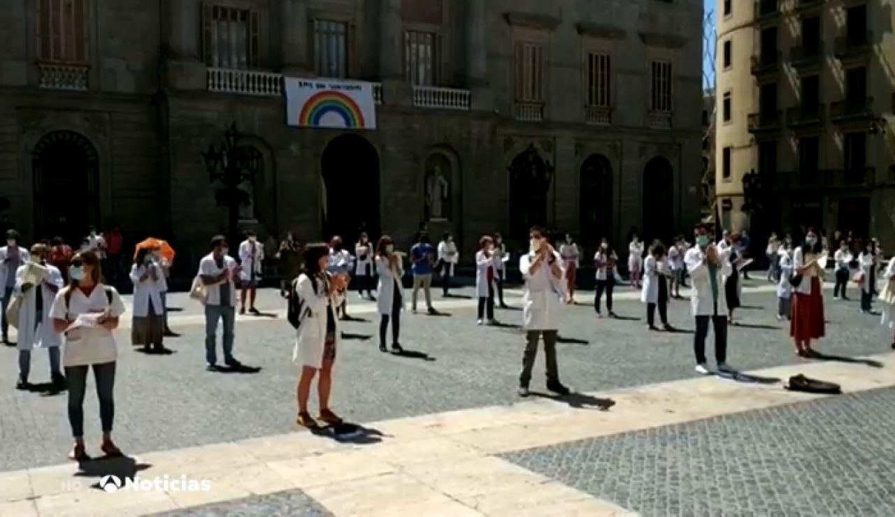 Los sanitarios se manifiestan por toda España para reclamar mejoras en su condiciones laborales