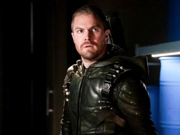 Stephen Amell como Oliver Queen en 'Arrow'
