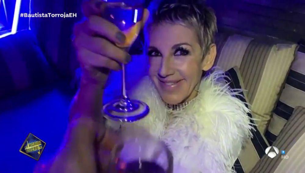 """El vídeo en exclusiva de 'Cuando tú me bailas', el nuevo single de Ana Torroja: """"Necesitaba montar un antro en mi casa"""""""