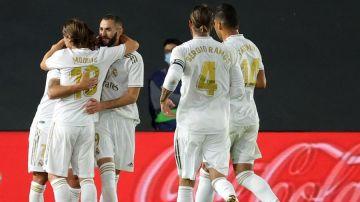 Benzema y Asensio guían al Real Madrid en su victoria en Liga contra el Valencia