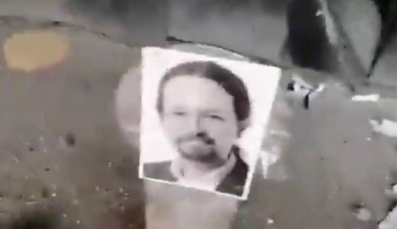 """A3 Noticias 1 (18-06-20) Pablo Iglesias denuncia """"amenazas de muerte"""" en un vídeo en el que un hombre dispara a fotografías de Iglesias, Sánchez, Montero, Echenique y Marlaska"""