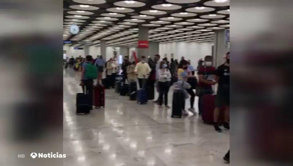 A los pasajeros que lleguen a Madrid solo se les tomará la temperatura