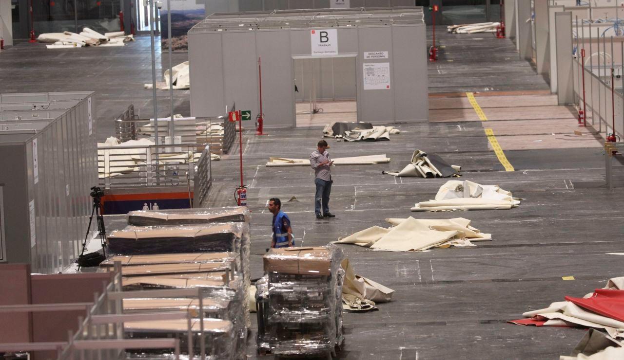 Trabajos de desmontaje de la instalaciones de Ifema, en Madrid