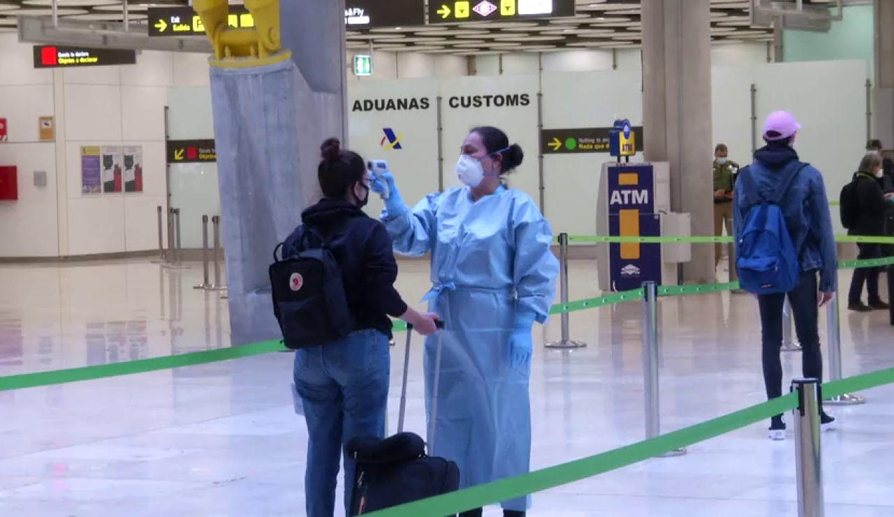 Aena anuncia que rebajará sus tasas aeroportuarias para fomentar la llegada de vuelos internacionales