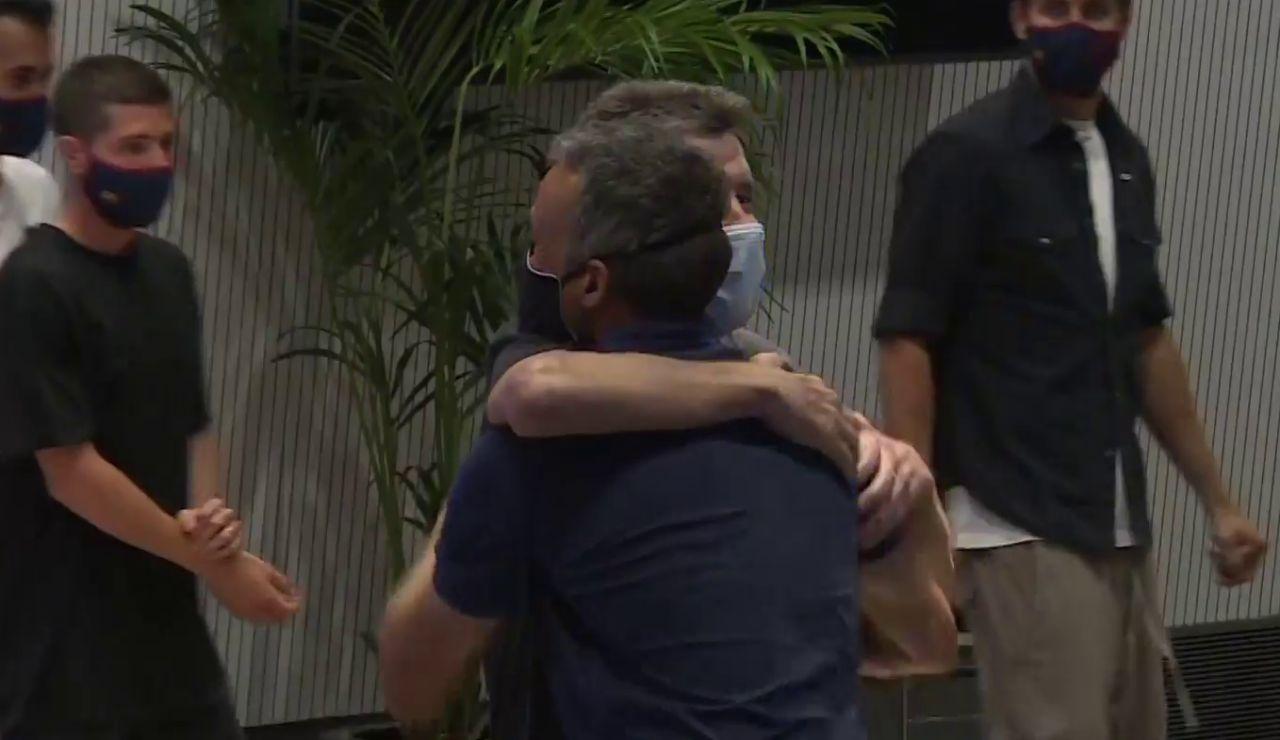 """El emocionante abrazo de Luis Enrique y Juan Carlos Unzué: """"No sabe la ELA esa con quién se ha metido"""""""