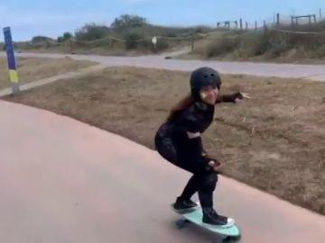 Shakira muestra su habilidad con el skate, una de sus aficiones menos conocidas