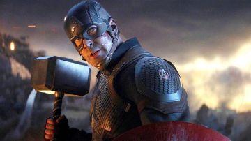 Capitán América con el martillo de Thor en 'Endgame'