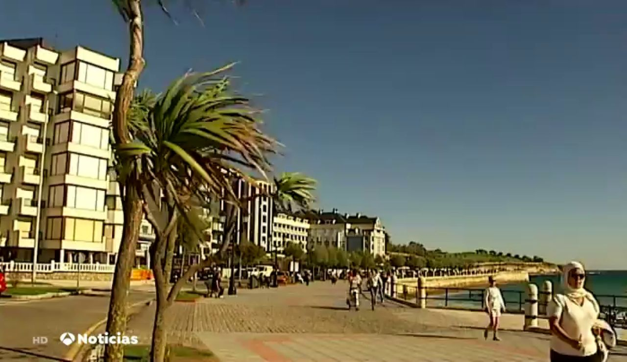 Sanidad pone en cuarentena un edificio de Santander que acumula 13 casos positivos por coronavirus