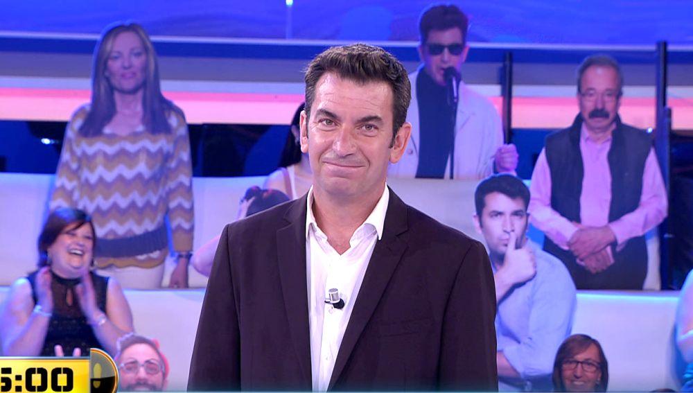 El hilarante chiste de Arturo Valls sobre la próstata que no deja indiferente al público de '¡Ahora caigo!'