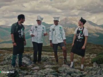 Juanín García y Jaime Fernández, leyenda y promesa del balonmano español, se junta para una 'comida de altura' con el chef Jonathan Fernández