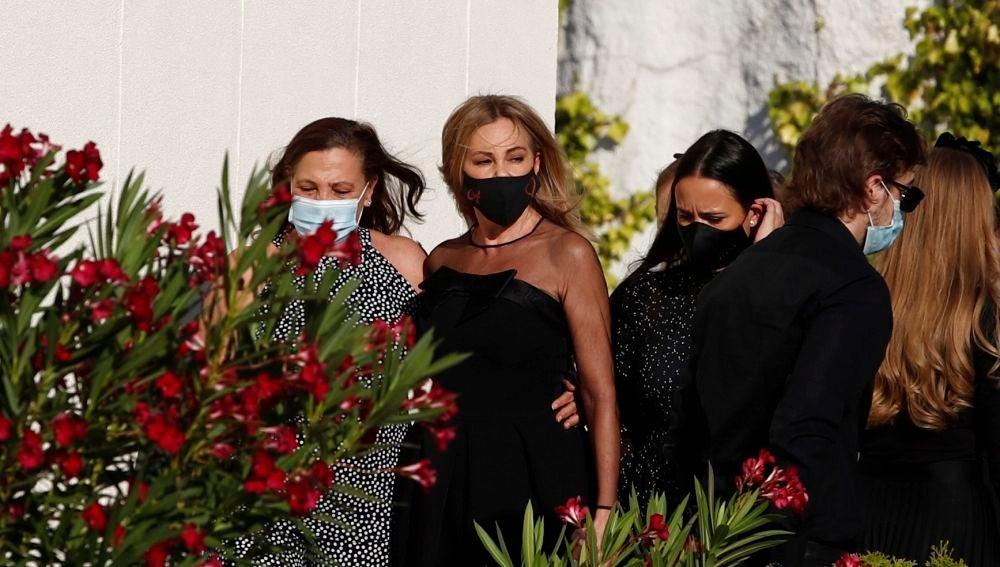 La actriz y presentadora Ana Obregón, a su llegada al funeral de su hijo