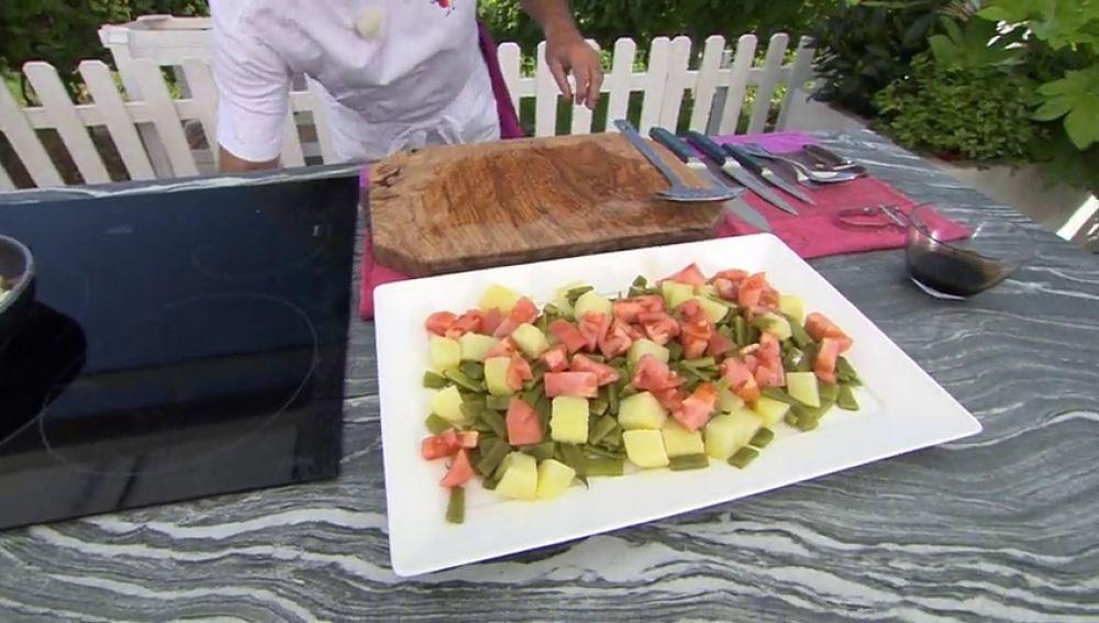 Receta de ensalada de judías verdes y dados de merluza