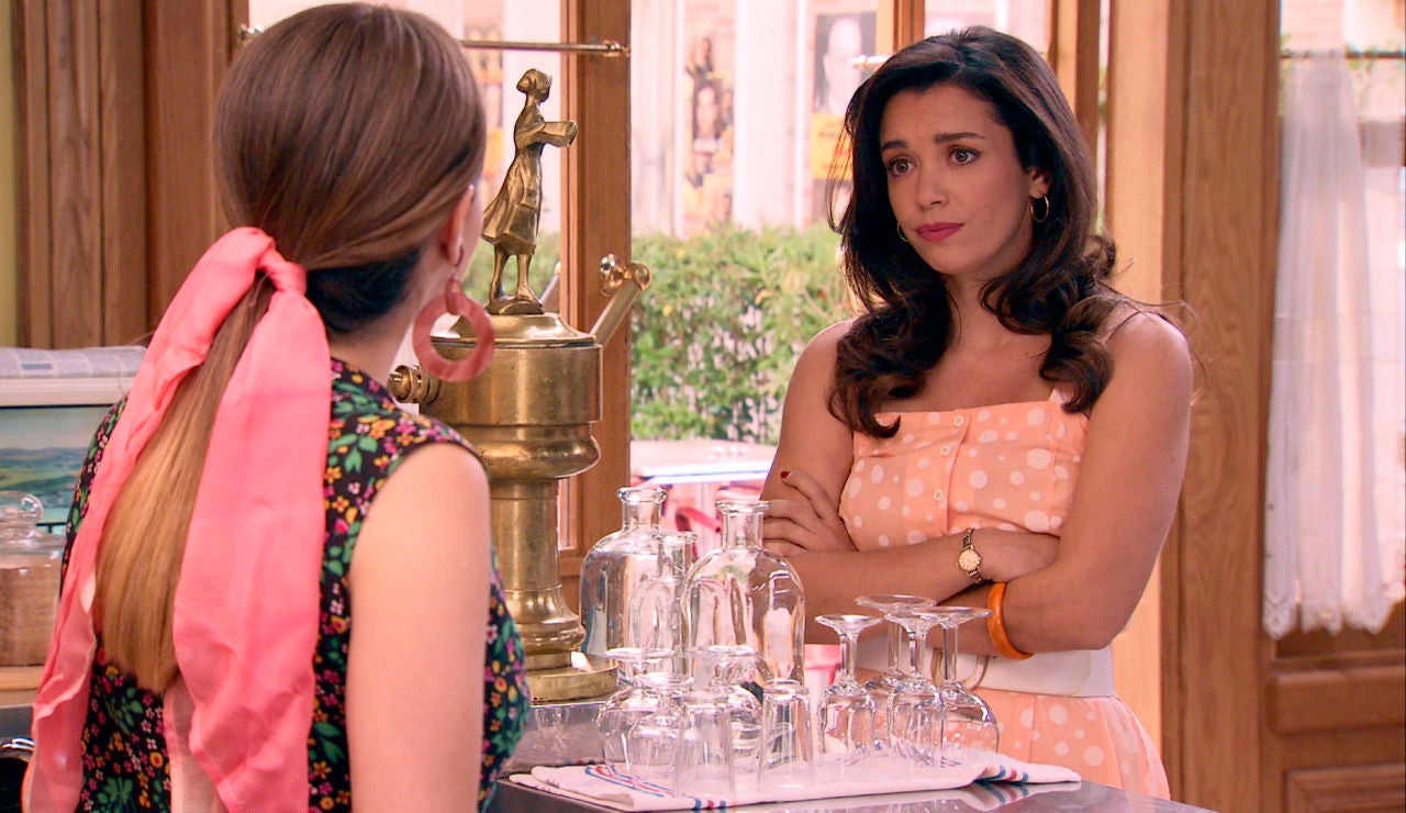 Amelia y Luisita, preocupadas por las duras consecuencias de su beso en público