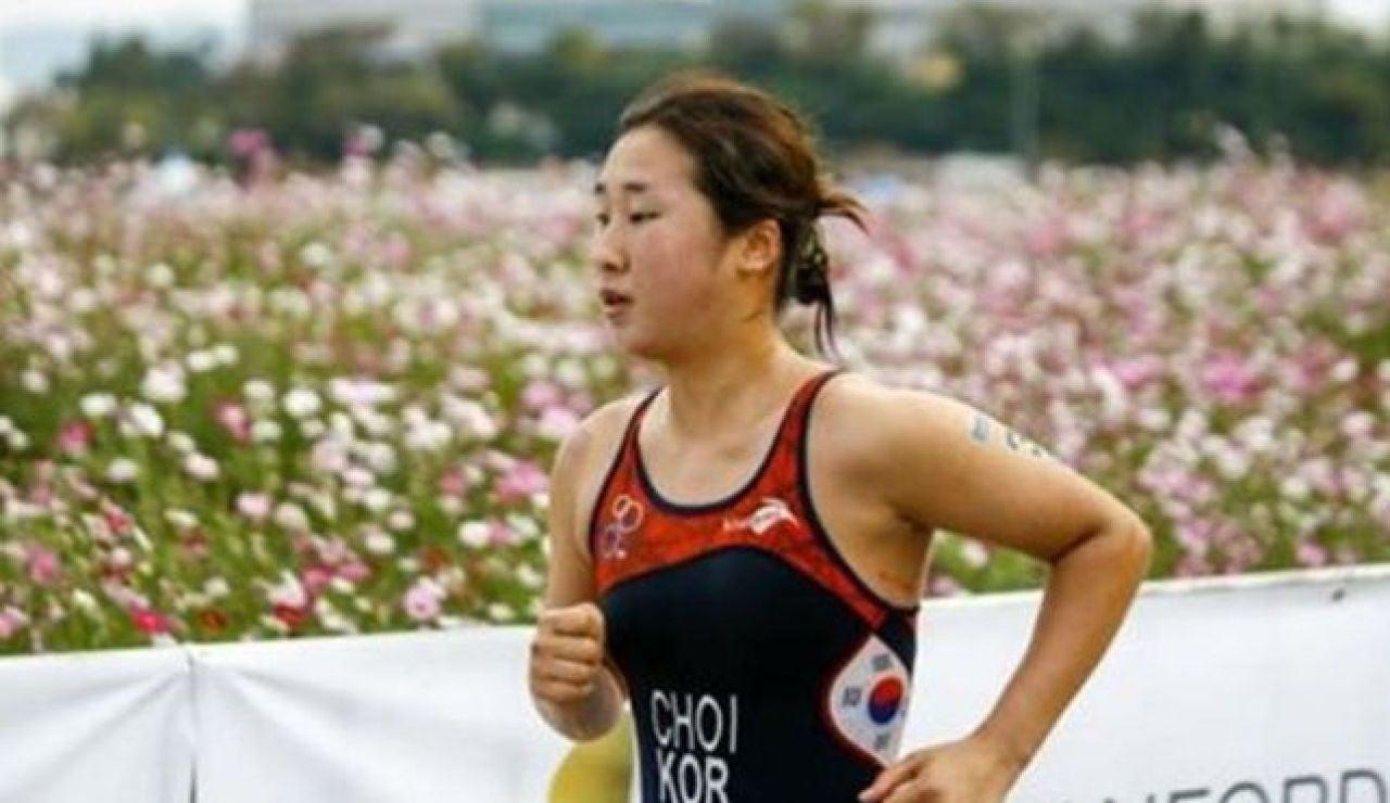 Se suicida Choi Sukhyeon-hyeon, una triatleta surcoreana que sufrió abusos de sus entrenadores