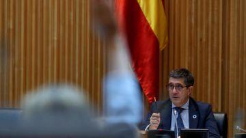 El presidente de la Mesa de la Comisión por la Reconstrucción Económica y Social en el Congreso de los Diputados, Patxi López, durante las votaciones