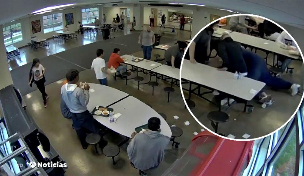Muere un menor en un centro de menores de Michigan tras ser asfixiado por varios trabajadores
