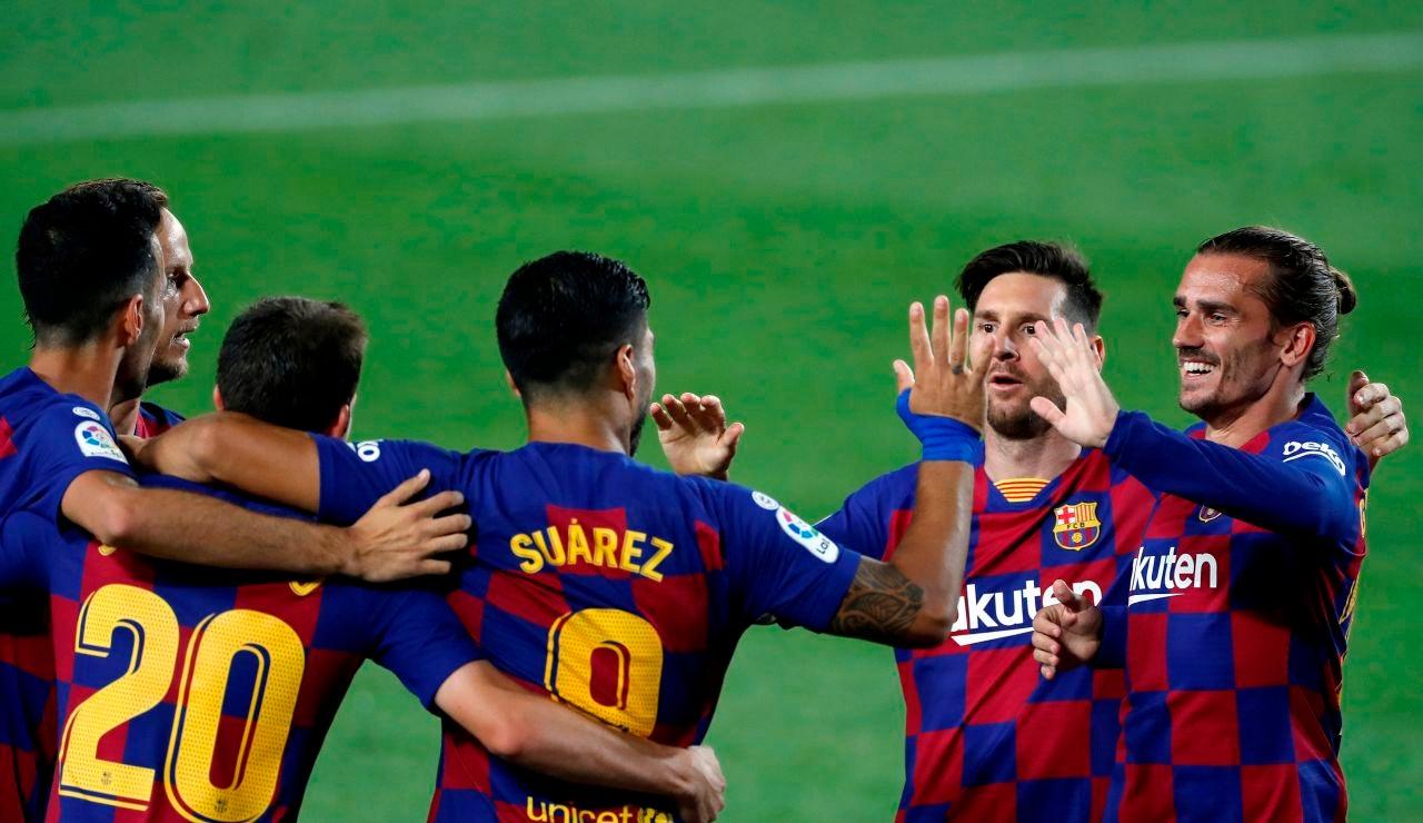 Luis Suárez celebra su gol ante el Espanyol