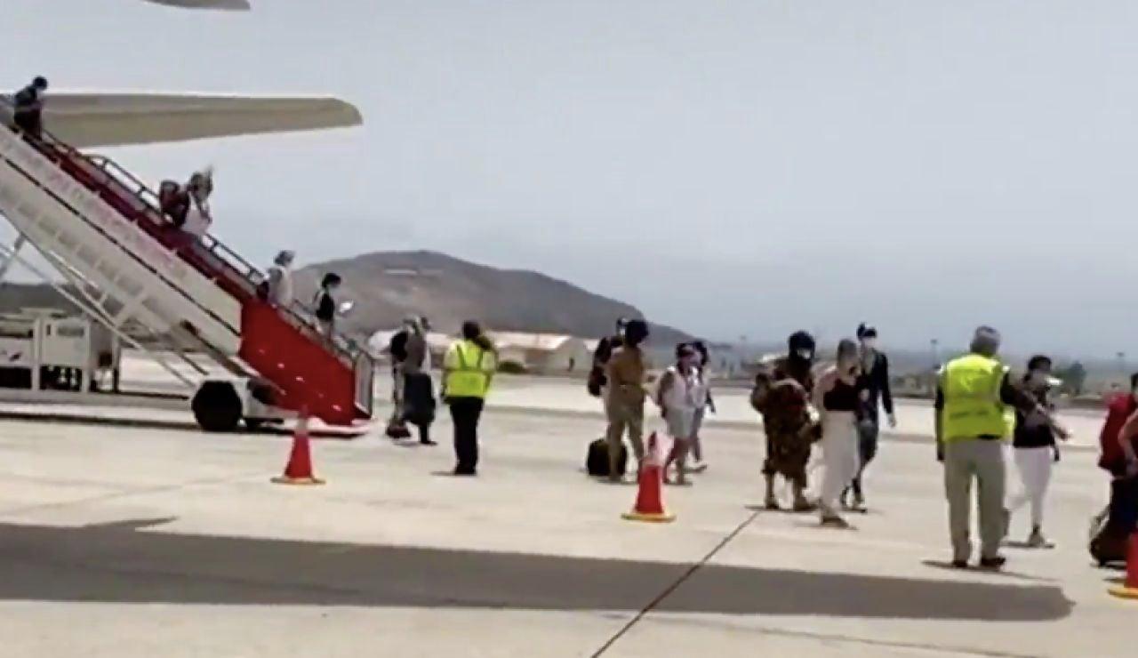 Llegan a Canarias los sanitarios que ganaron un sorteo para disfrutar de unas vacaciones en las islas por su labor