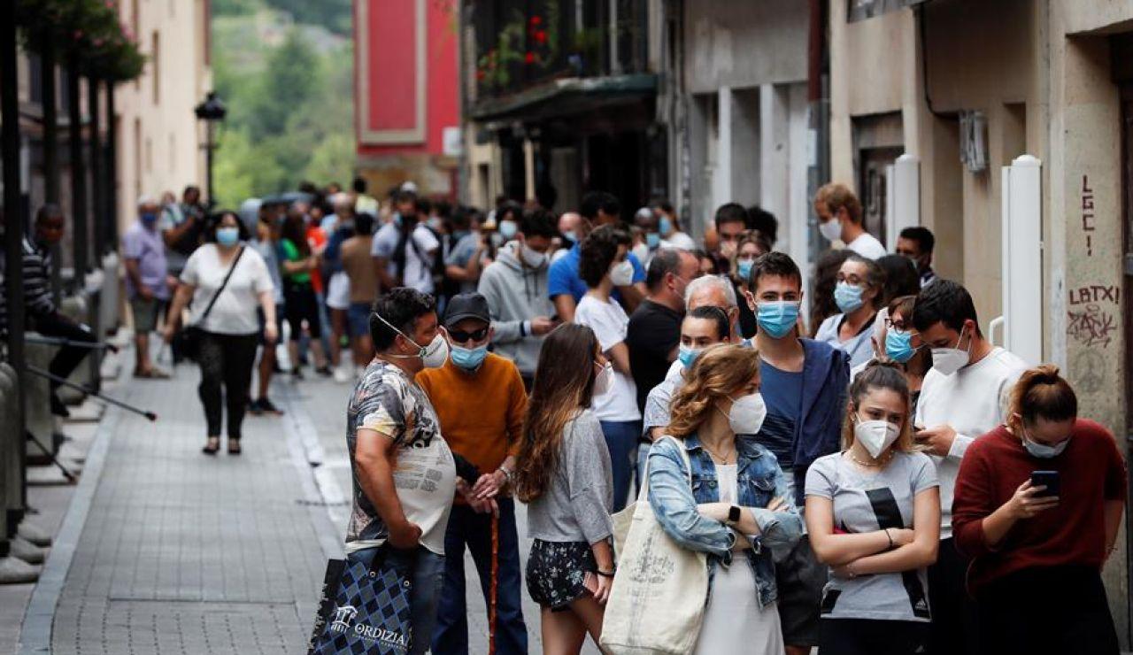 Vecinos de Ordizia hacen cola para realizar pruebas PCR