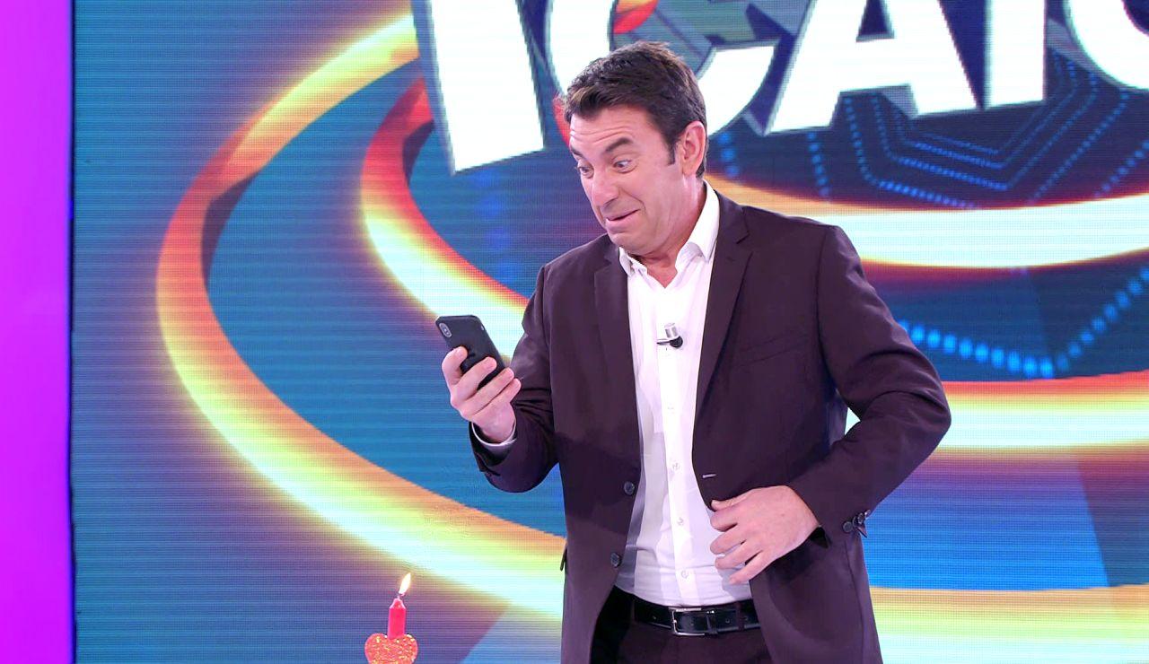 Arturo Valls planea un nuevo programa muy romántico en el plató de '¡Ahora caigo!'