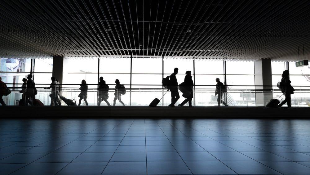 Detectan dos pasajeros con coronavirus que han llegado a Barajas