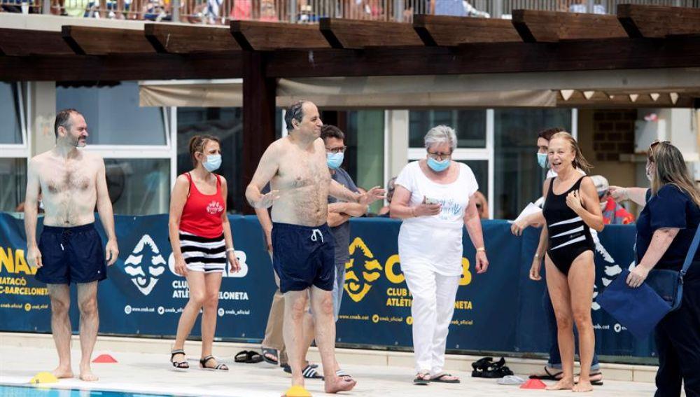 """El presidente de la Generalitat, Quim Torra, asiste la fiesta """"Mulla't per l'esclerosis múltiple""""."""