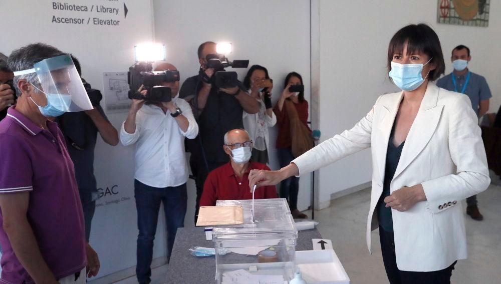 Ana Pontón ejerce su derecho al voto