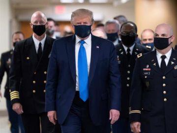Primera imagen de Donald Trump con mascarilla