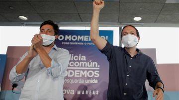 Pablo Iglesias junto al candidato Antón Gómez Reino en un momento de la campaña
