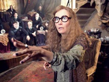La profesora Trelawney en 'Harry Potter' interpretada por Emma Thompson