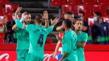 Benzema celebra su gol al Granada