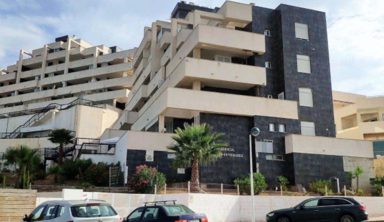 Dan 24 horas a los vecinos para desalojar sus viviendas en tres edificios de La Manga