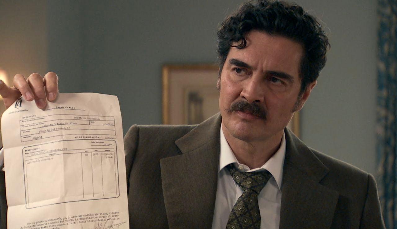 Armando descubre la denuncia que le ha puesto Irene