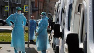 Un médico de Hong Kong afirma que el coronavirus se ha vuelto más contagioso