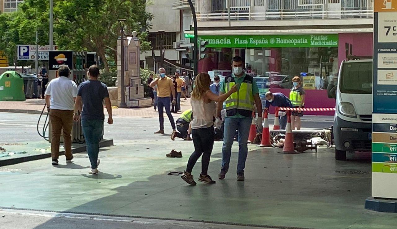 Dos heridos en una explosión de una gasolinera de Cartagena, Murcia