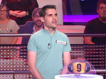 Un concursante de '¡Ahora caigo!' descoloca a Arturo Valls al revelarle el pueblo del que procede