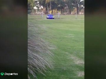 Maradona estrena nuevo coche, un BMW de 175.000 euros con equipamiento ilegal