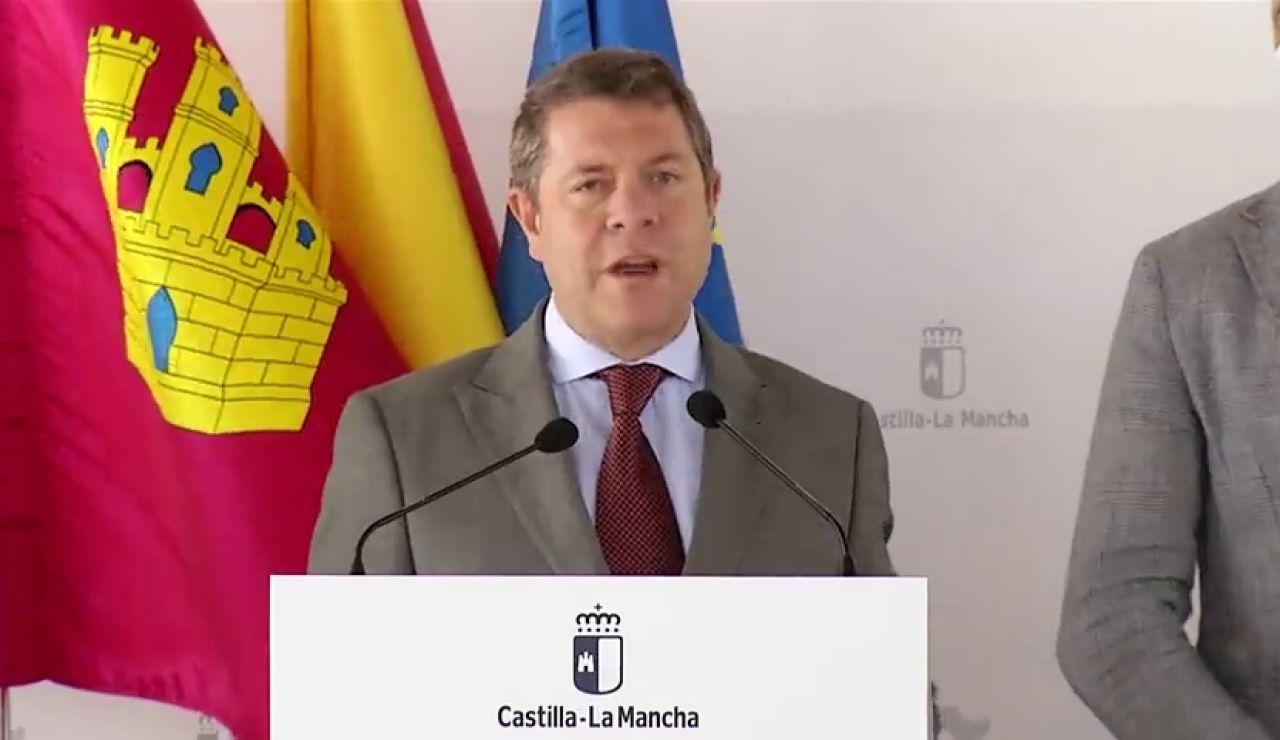 El socialista García-Page defiende la monarquía y el PSC vota que se investigue al rey Juan Carlos