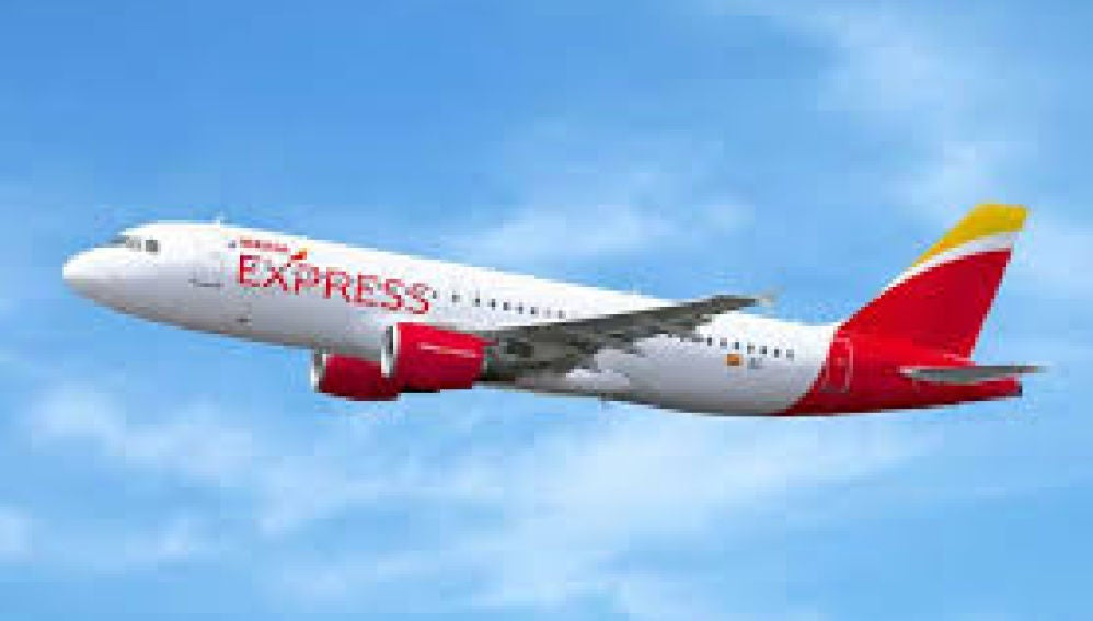 Doce pasajeros confinados por viajar con un positivo de Madrid a Vigo