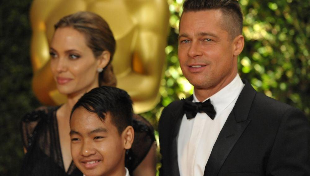 Brad Pitt, Angelina Jolie y su hijo Maddox