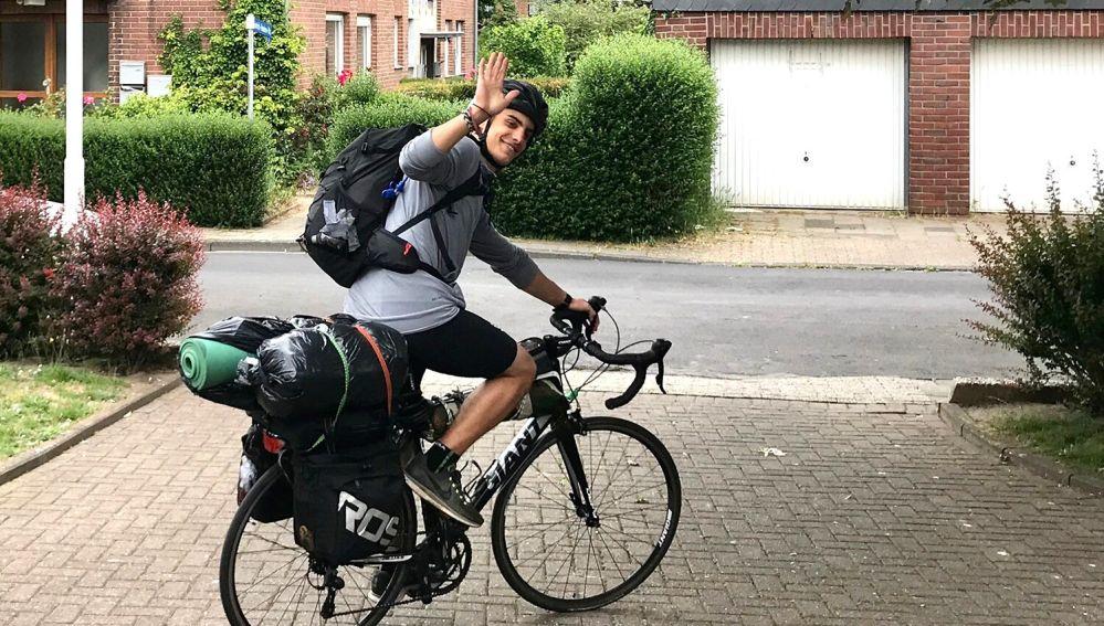 Kleon Papadimitriou, en su periplo en bicicleta