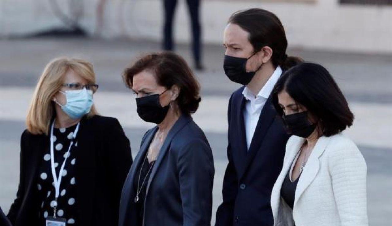 Carmen Calvo, Pablo Iglesias y Carolina Darias a su llegada al funeral civil