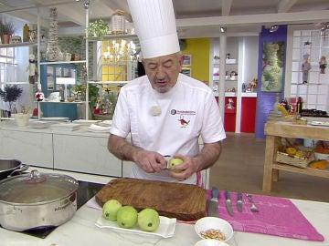 Karlos Arguiñano explica cómo cortar peras y el punto de cocción para que queden exquisitas