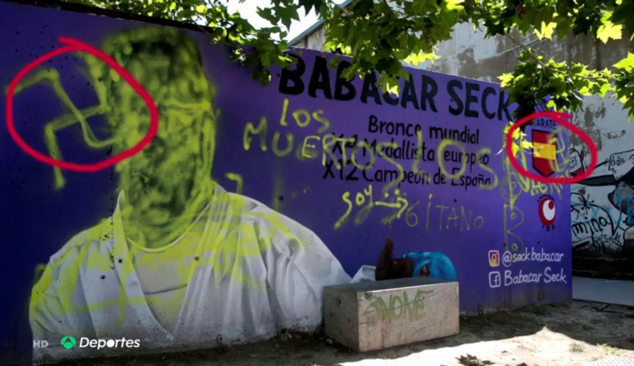 Destrozan el mural dedicado al karateca de color Babacar Seck en Zaragoza con pintadas racistas y xenófobas