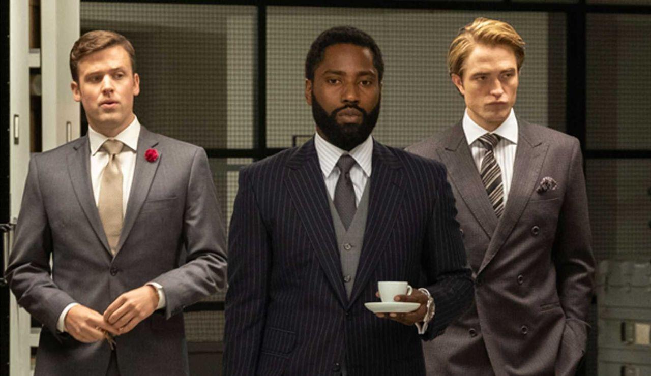 John David Washington y Robert Pattinson, en un fotograma de la película 'Tenet'